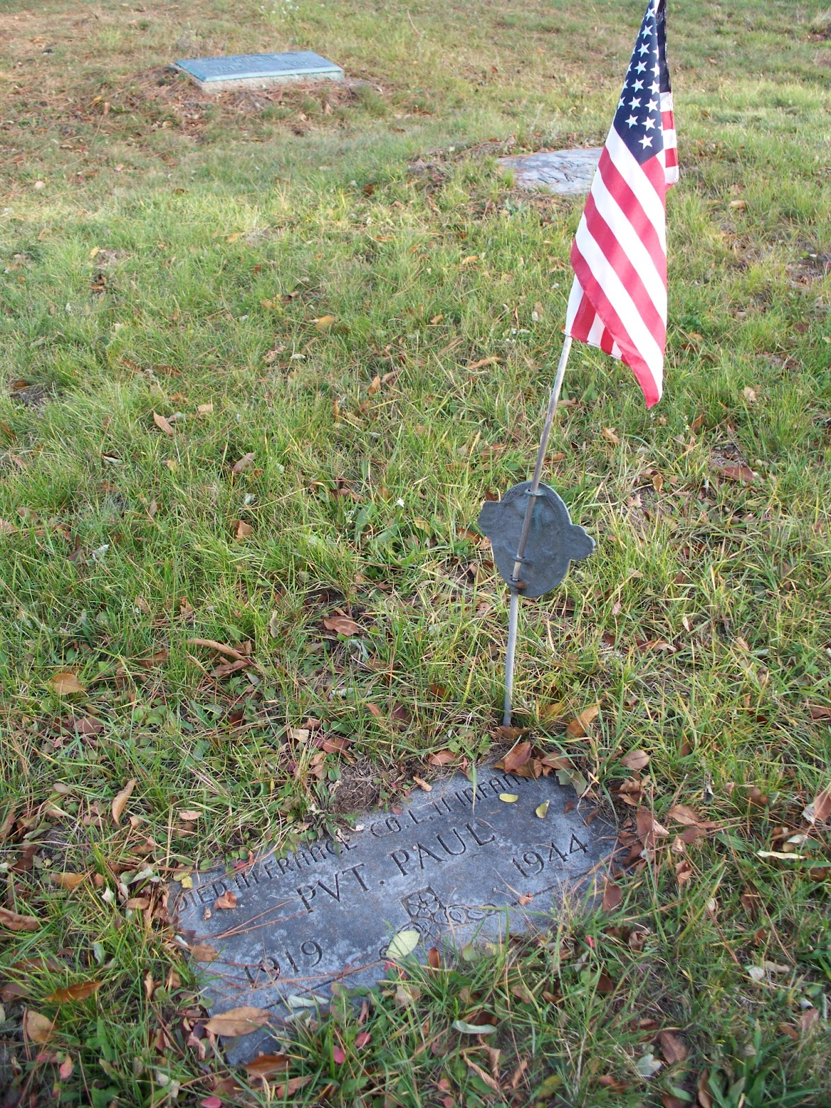 Cemetery Divas: Tombstone Tuesday--Military Honors