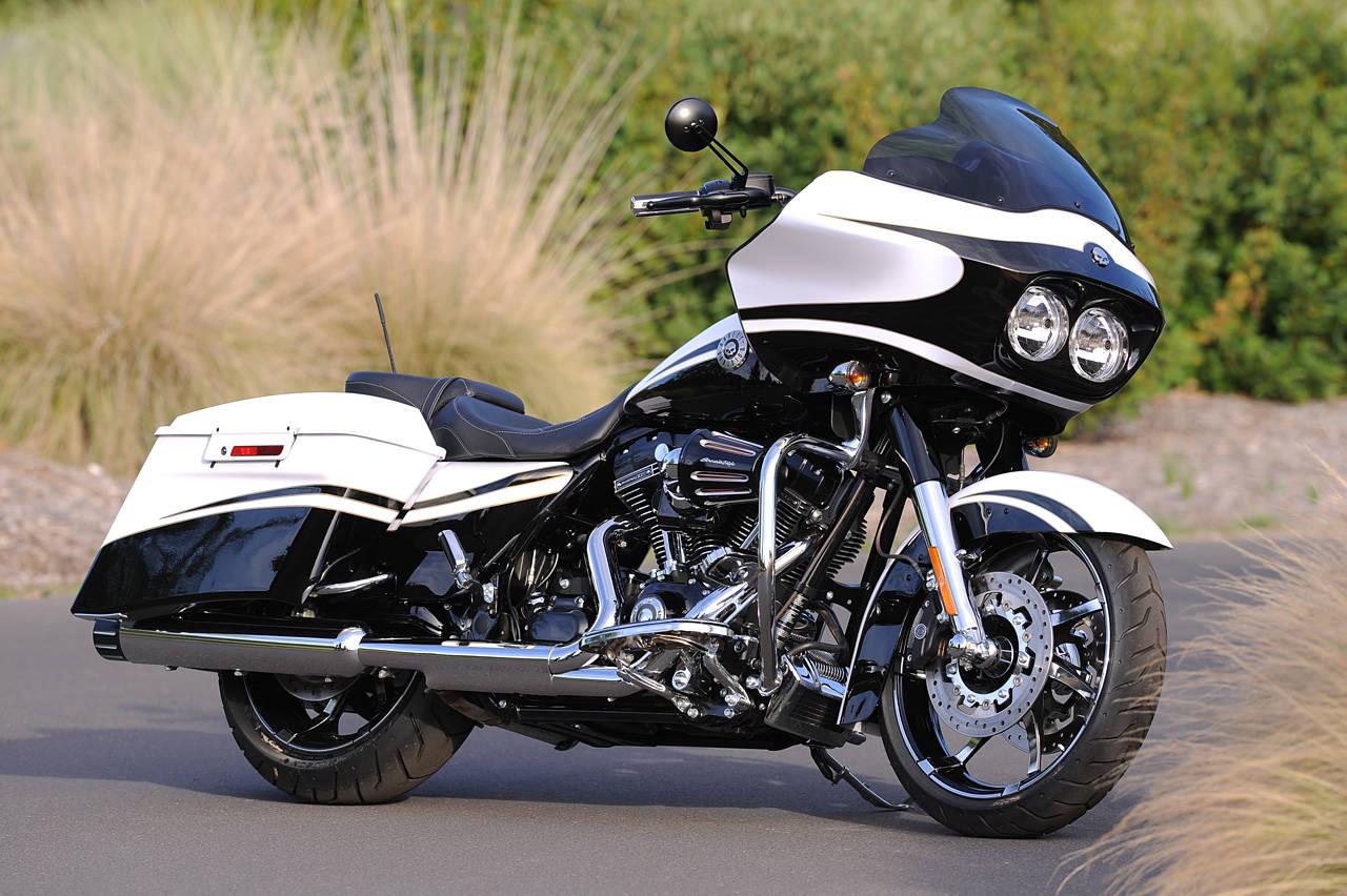 Harley Davidson: Harley Davidson Classic: Harley Davidson Electra Glide Custom