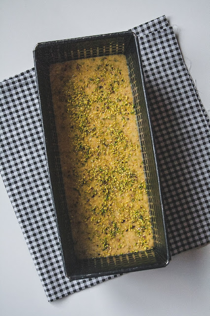 Plumcake ai pistacchi senza burro e senza lattosio step 3