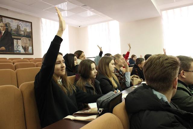 Навчальна дисципліна «Вступ до фаху» за участю представників бізнесу