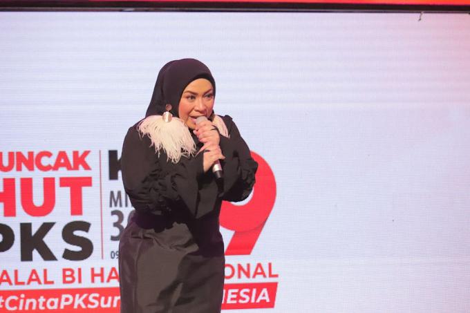 Kalau PKS Menang Pemilu, Tolong Jangan Jadikan Melly Komisaris BUMN ya! Tapi....