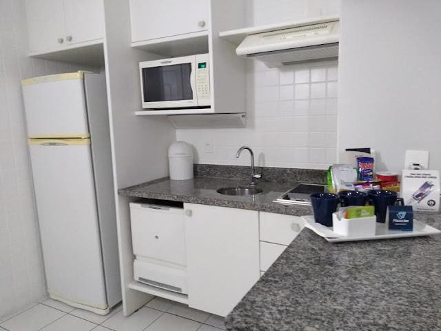 Cozinha do apartamento no Plaza Inn American Loft