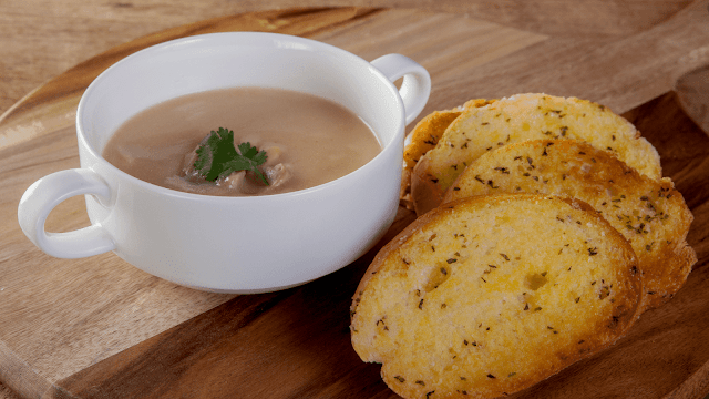 How to make mushroom soup with garlic bread recipe