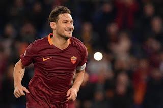 Francesco Totti Batal Pensiun