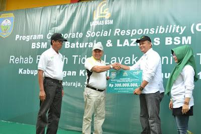 BSM Cabang Baturaja Kucurkan Dana CSR Bantuan Rehab Rumah Tidak Layak Huni (RTLH) 20 Unit Rumah di Kelurahan Kemalaraja