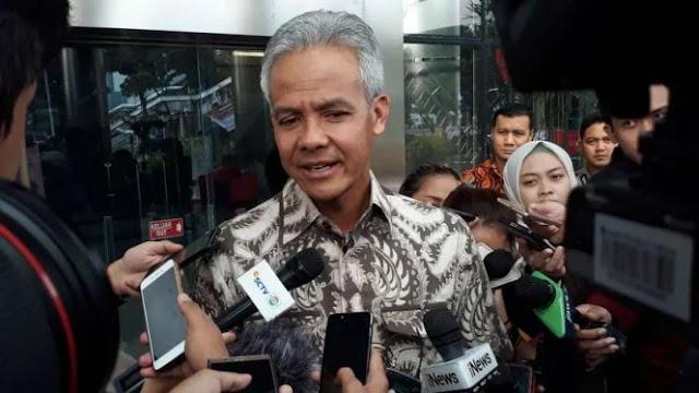 Warganya Belum Dapat Bansos, Ganjar Telepon Anies dan Ridwan Kamil