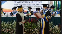 Rektor Uhamka Kukuhkan Profesor Ke-16 Dalam Suasana Milad Uhamka Ke-63