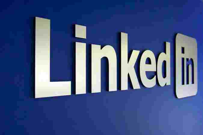 Hackers targeting LinkedIn users with Fake Job Offers to Spread Malware through the Target Device