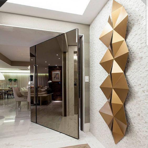 porta-de-entrada-vidro-espelhado-casa-de-luxo