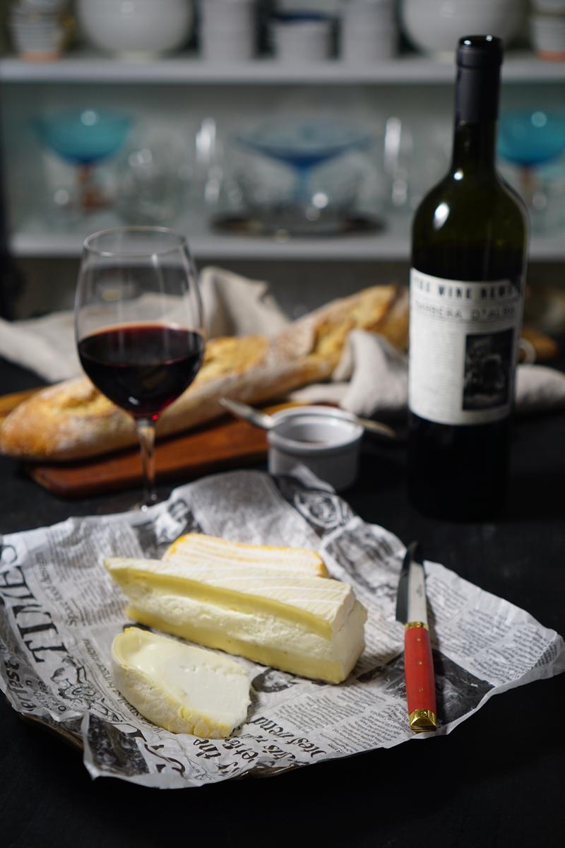 juusto, viini, juustotarjotin