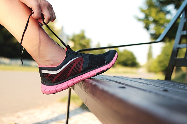 Purchasing Running Shoes: 6 Expert Tips to Consider