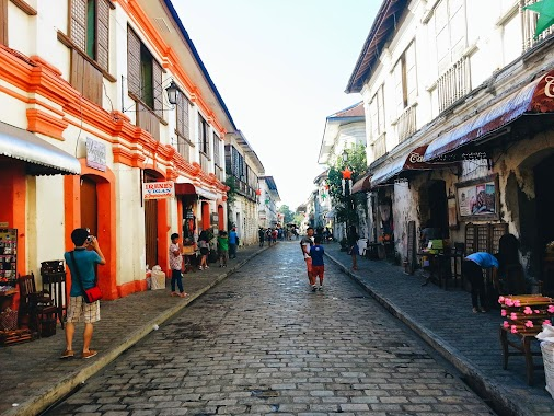 The most famous place and the place you mostly see in ads about Vigan is Calle Crisologo. The old brick...