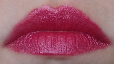 deep fuchsia lipstick