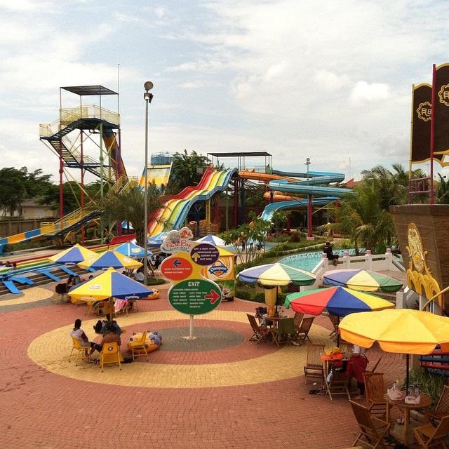 Harga Tiket Masuk Palm Bay Waterpark