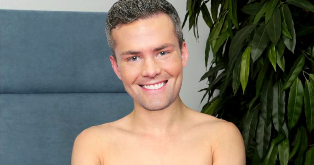 ausCAPS: Ryan Serhant shirtless in Sell It Like Serhant 1