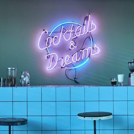 Cocktails & Dreams | Eine Partynacht in Berlin von Chris Cross | Full Album Stream