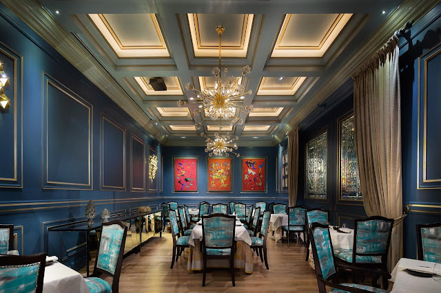 Espacios del restaurante Okra