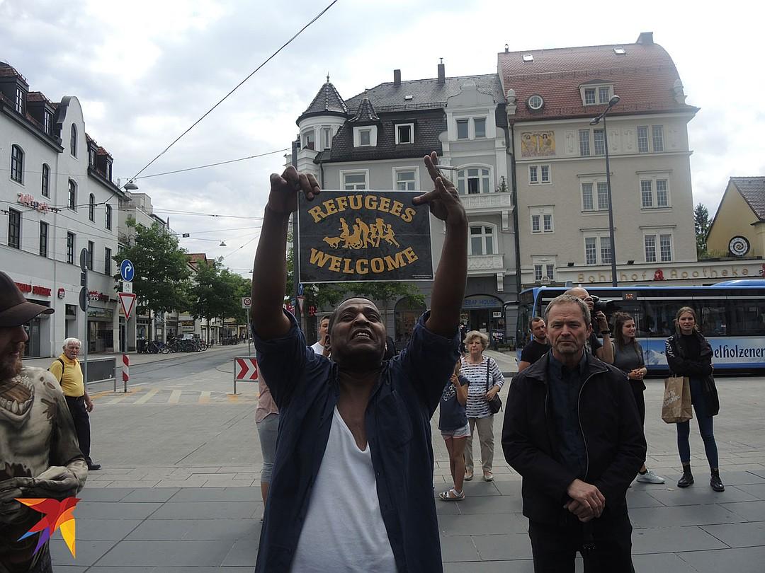 Migrantai Europoje: gulkis ir nesipriešink!