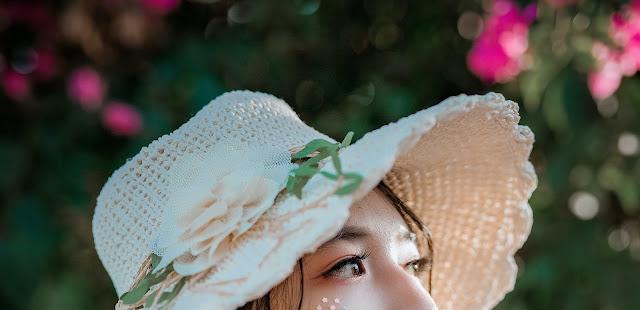 tips memilih outfit feminin