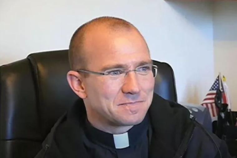 Pastor Jeremy Dikucilkan Setelah Tidak Mengakui Bergoglio sebagai Pemimpin Gereja