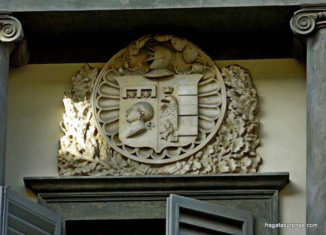 Emblema da Família Pucci em uma fachada de Florença