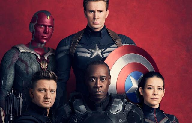 Movie News: #AvengersInfinityWar Trailer Premiere. Looking at the Avengers Infinity War trailer. Text © Rissi JC