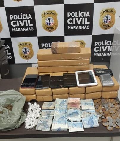 POLÍCIA CIVIL DE BACABAL PRENDE TRAFICANTE EM FLAGRANTE E APREENDE 15,5 QUILOS DE MACONHA E 42 PEDRAS DE CRACK