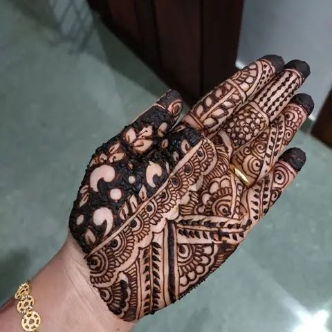 lace-and-leave-front-hand-henna