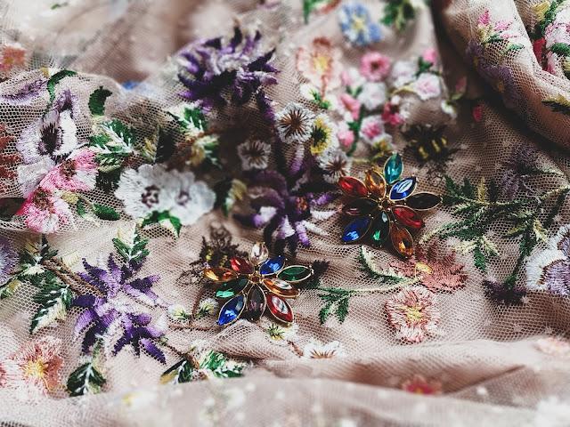 sukienka asos dla panny młodej
