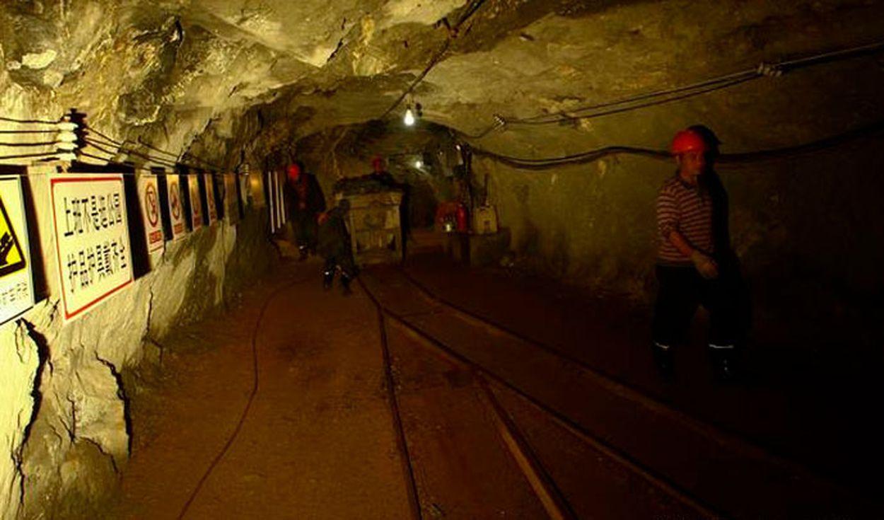 Detectan signos de vida en una mina de oro en China donde quedaron atrapadas 22 personas hace 7 días