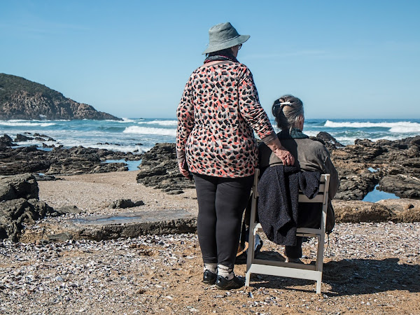 5 THINGS TO REMEMBER WHEN CARING FOR AN ELDERLY RELATIVE