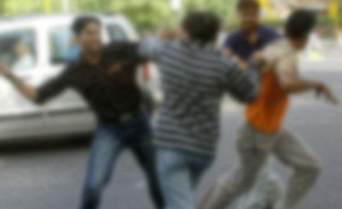 ఉత్తరప్రదేశ్: మీరట్లో ముస్లింల బృందం దాడిలో గాయపడ్డ ముగ్గురు హిందూ యువకుల - Uttar Pradesh: Three injured as a group of Muslim men attacks Hindu youths in Meerut,