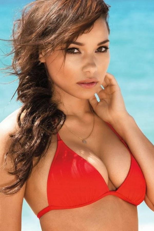 "La Actriz Jessica Parker Kennedy, En Bikini Para La Revista ""maxim""."