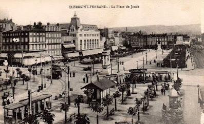 CPA Clermont-Ferrand, place de Jaude.