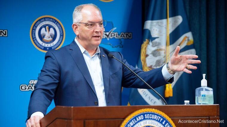 Gobernador de Luisiana, John Bel Edwards en conferencia
