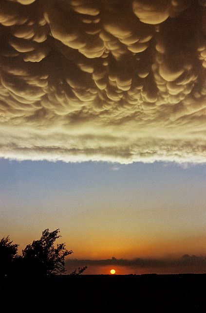 Mammatus Clouds, sunset phenomena