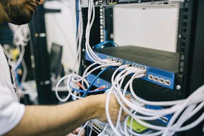 kinerja dari switch dianggap lebih bagus dan handal dari hub