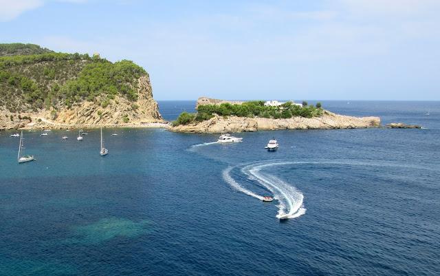 S' Illa des Bosc. Puerto de San Miquel en Ibiza
