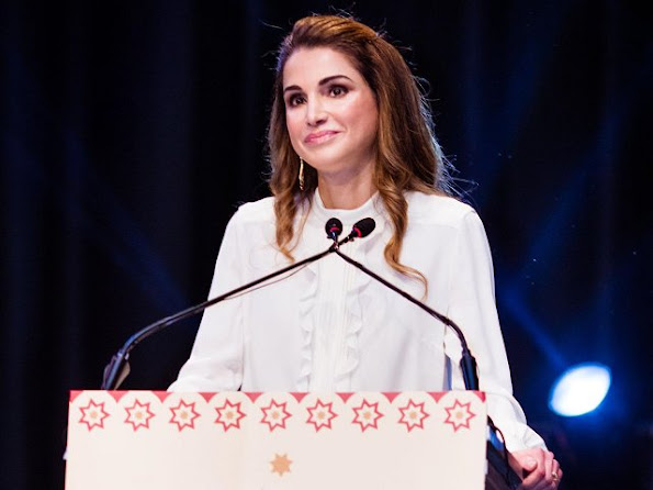 Queen Rania wore Fendi Botanical Jacquard Skirt, Jimmy Choo sandals, Dior Clutch bag