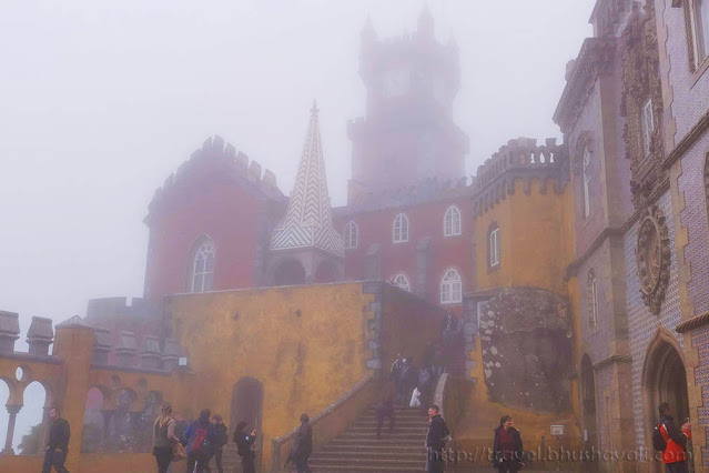 Pena Palace photos in fog