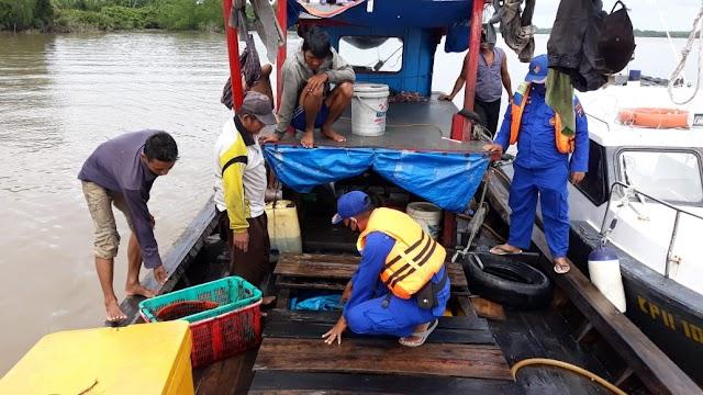 Sat Polair Polres Tanjung Balai Patroli Perairan Sekaligus Mensosialisasikan Adaptasi Kebiasaan Baru
