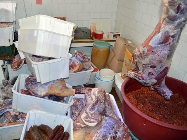 Lopott szarvasmarhák és juhok húsát árulták Békés megyében