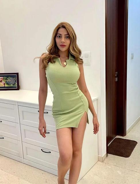 Nikki Tamboli Instagram Photos HD Navel Queens