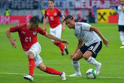 ليروي ساني لاعب مانشستر سيتي