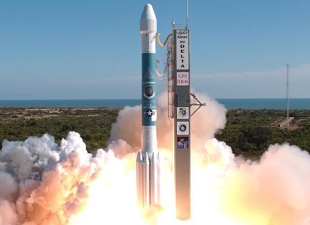 مشروع اطلاق 30000 قمر صناعي لتغطية جميع أنحاء العالم بالانترنت.