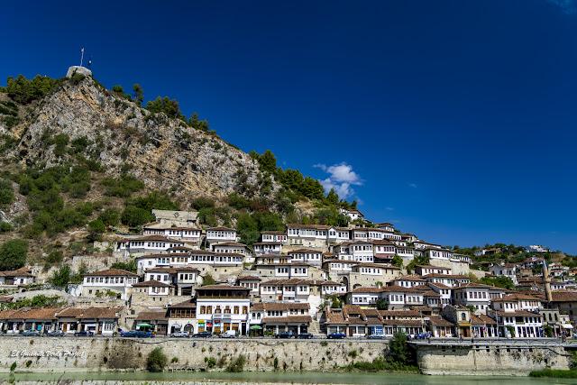 Casas Otomanas, Berat - Albania, por El Guisante Verde Project