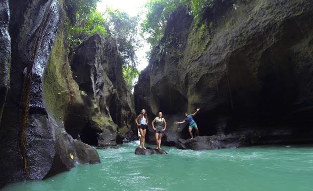 Wisata Hidden Canyon Beji Guwang di Bali