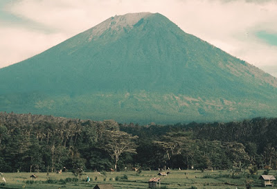 Info Lengkap Pendakian Gunung Sindoro Via Kledung : Lokasi, Biaya, Syarat dan Estimasi