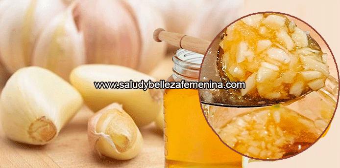 los beneficios del ajo con miel