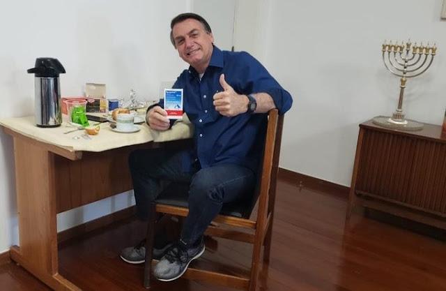 Usando Cloroquina, Bolsonaro expulsa o Coronavírus do organismo e testa negativo - É FATO